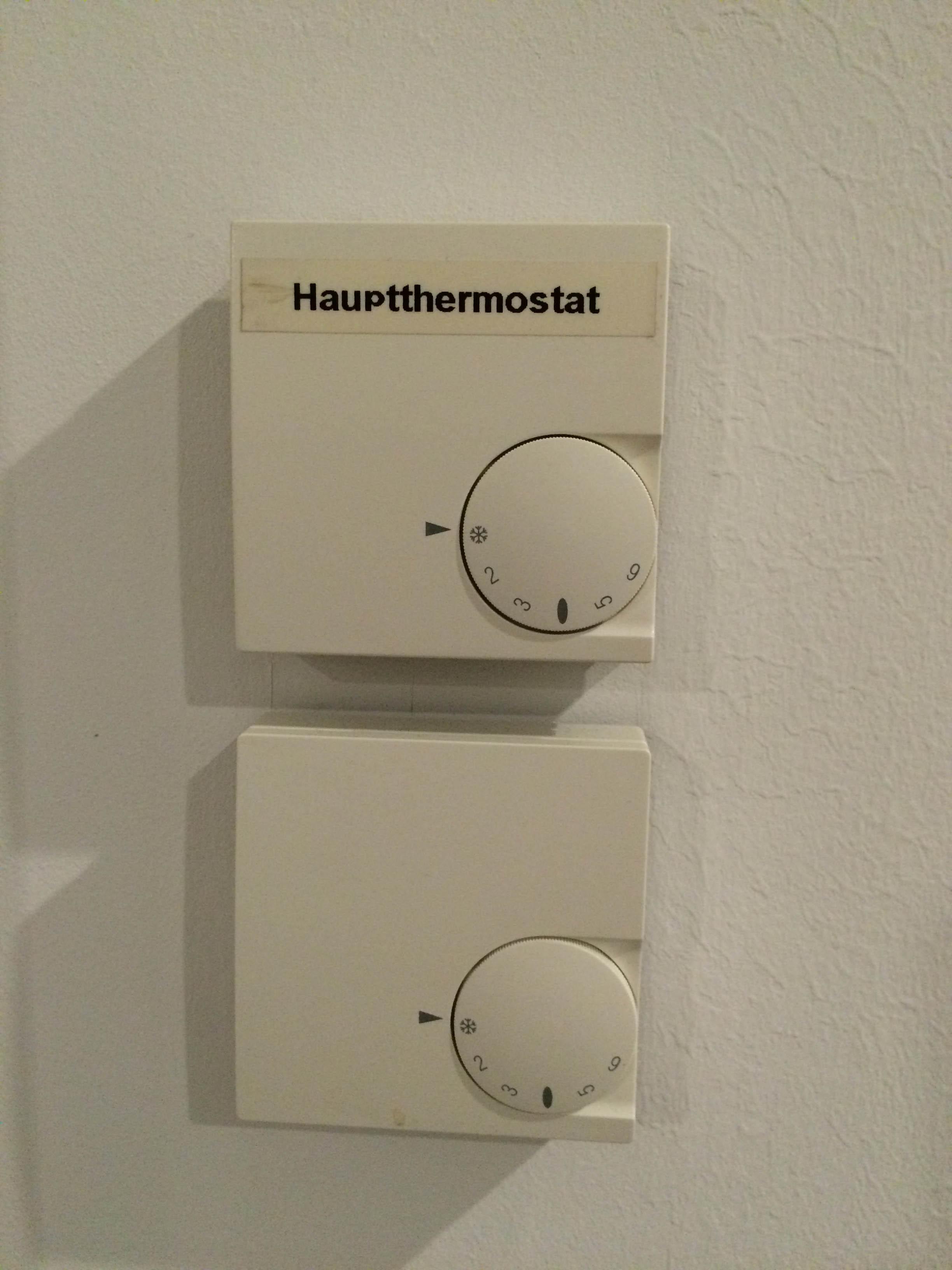 Außergewöhnliche Analoges Thermostat gegen digitales für Fußbodenheizung ersetzen ZD67